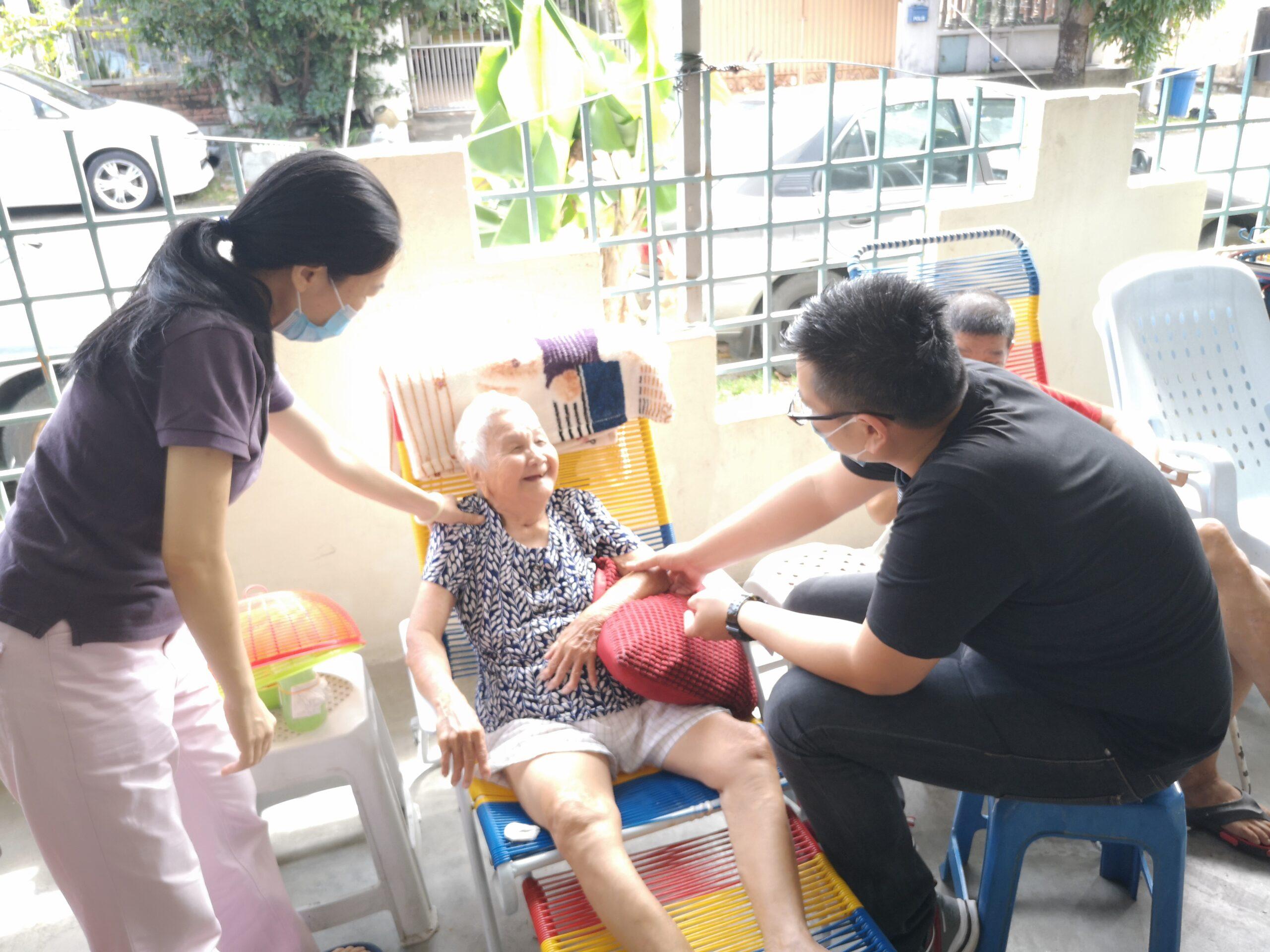 【义诊】7月6日 & 8月24日 – MCO之后分别两次再到 义心老人院 义诊。